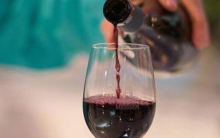 Как вино влияет на давление и на сердечно-сосудистую систему человека, мнение врачей