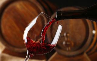 Алкоголь при месячных: влияние спиртного, особенности употребления, возможные осложнения