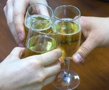 Через какое время алкотестер не покажет алкоголь — Таблица промилле и время выветривания алкоголя