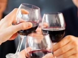 Можно ли пить вино в пост: правила употребления и церковные обычаи