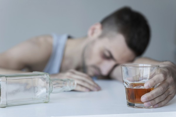 Черный кал после алкоголя у взрослого — что это значит? Влияние алкоголя на пищеварительную систему