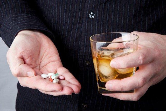 Амоксиклав и алкоголь — Инструкция и совместимость с алкоголем, советы врачей