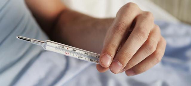 Можно ли при температуре пить алкоголь — Совместимость и последствия, влияние алкоголя на организм, советы врачей