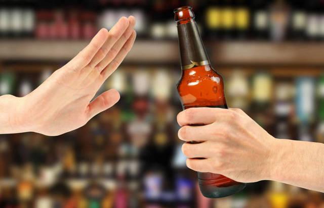 Щитовидка и алкоголь: функционирование железы при употреблении спиртных напитков