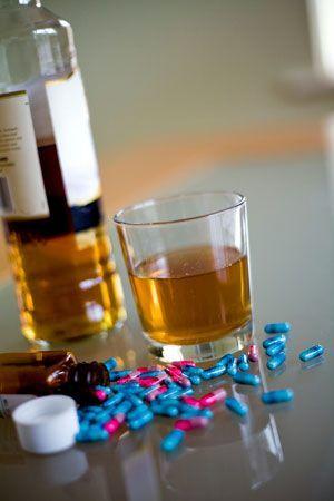 Супрастин и алкоголь: сколько выводится препарат из организма, совместимость, отзывы врачей