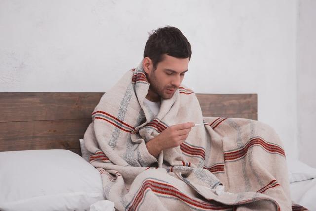 Температура с похмелья — Причины и методы лечения, понижение температуры, полезные рецепты и препараты