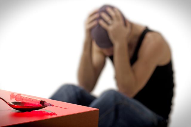 Наркомания: Причины, основные симптомы и возможные последствия