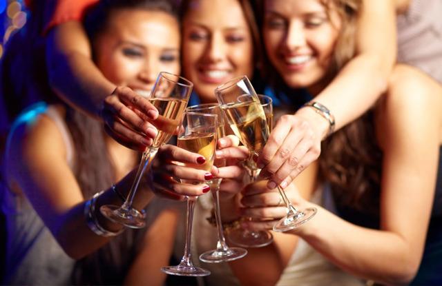 Алкоголь при месячных — Можно ли пить алкоголь когда месячные
