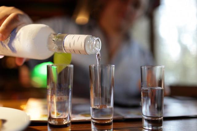 Защищает ли алкоголь от радиации? Миф или реальность, ответы специалистов