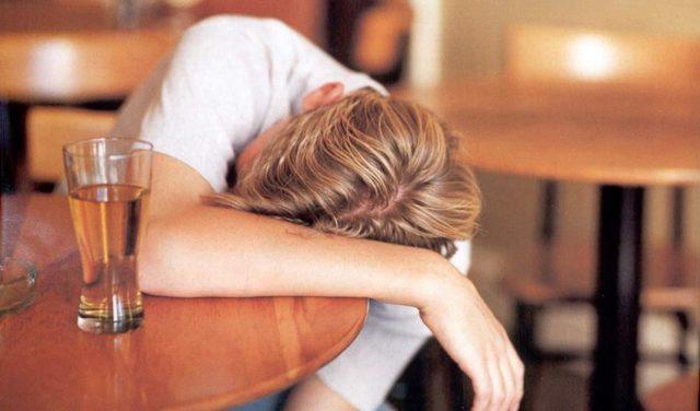 Вторая стадия алкоголизма: симптомы и признаки алкогольной зависимости, методы лечения, советы нарколога