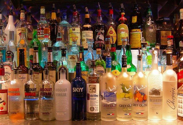 Почему люди пьют алкоголь: ТОП 7 основных причин, психология к пристрастию к алкоголю, мнение нарколога