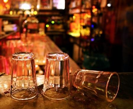 Как правильно похмеляться после запоя? Рецепты и препараты для выхода с абстинентного алкогольного синдрома