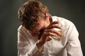 Ушел в запой — Почему человек уходит в запой, эффективные методы лечения