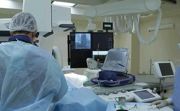 Кардиостимулятор. Что это такое, фото, виды, как работает, сколько стоит, операция по установке, как ставят, жизнь с ним