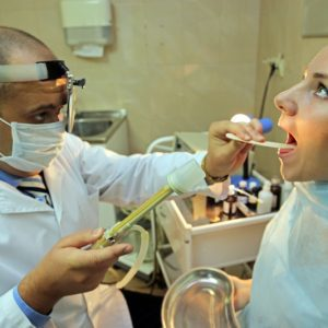 Стафилококк в носу, горле. Симптомы у взрослых, фото стадии, лечение в домашних условиях